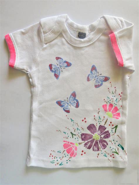 flowers  butterflies onesie baby shower craft