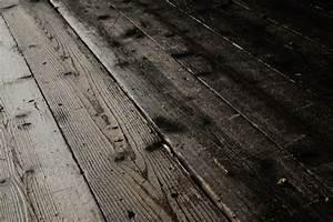 Wie Entfernt Man Kalk Von Fliesen : fliesen auf dielenboden verlegen so klappt 39 s ~ Indierocktalk.com Haus und Dekorationen