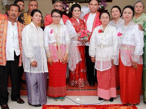 pakaian adat maluku  pesta pernikahan sederhana
