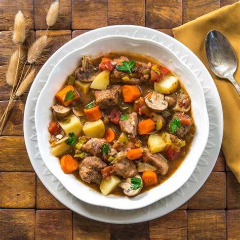 cuisiner pilons de poulet blanquette de dinde avec pomme de terre et carotte au cookeo