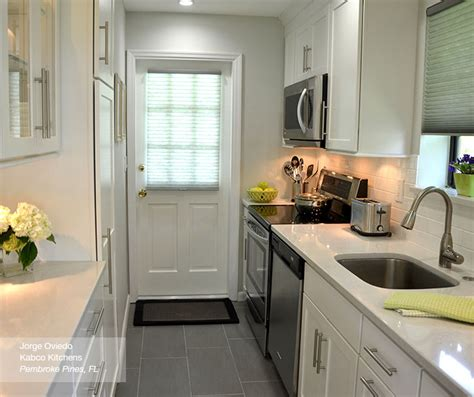 white galley kitchen shaker cabinets in a galley kitchen homecrest 1028