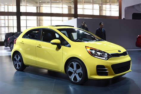 kia rio ii hatchback pictures information