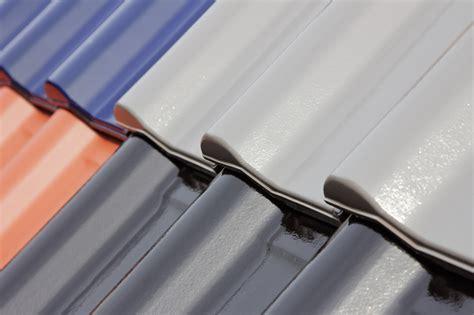 peindre une toiture prix moyen au  fourniture  main