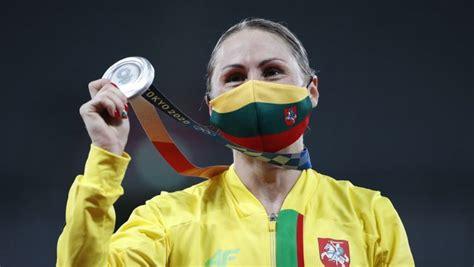 Lietuvai beidzot pirmā medaļa, modernās pieccīņas līdere ...