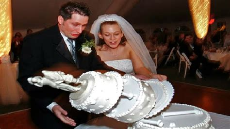 brilliant wedding day fails caught  camera wedding