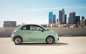 Fiat 500 Mint : mint green fiat 500 retro futurist fiat 500 fiat cars ~ Medecine-chirurgie-esthetiques.com Avis de Voitures