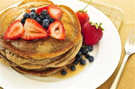 Terutama jika dihidangkan memakai sirup, selai. Cara Membuat Pancake Enak dan Praktis August 2020 ...