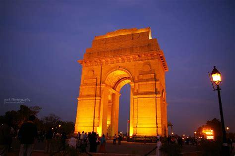 india gate  delhi  night