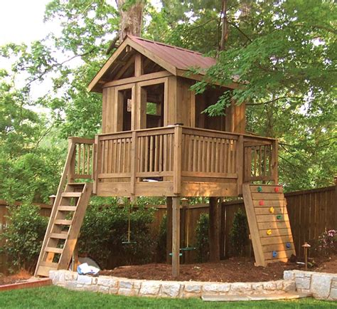 Diy Kitchen Decorating Ideas - fabulous outdoor tree house design which is completed with wooden ladder and kids play area also