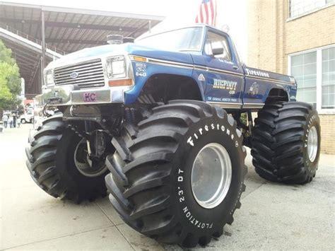 the first bigfoot monster truck the original bigfoot monster trucks pinterest