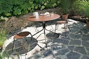 le mobilier de jardin en fer forge entretenez et With les jardins du fer forge