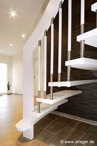 Treppenstufen Weiß Lackieren : in kombination mit den gel nderst ben aus edelstahl wirken die treppenstufen mit der wei ~ Markanthonyermac.com Haus und Dekorationen