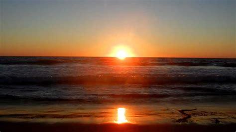manhattan beach california ocean waves crashing