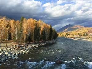 The autumn scenery of Hemu, Northwest China's Xinjiang(1/7)