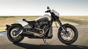 Harley Davidson 2019 : harley davidson launches new cruiser cvo motorcycles for 2019 ~ Maxctalentgroup.com Avis de Voitures