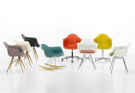 chaise bascule eames eames plastic armchair dar by vitra stylepark