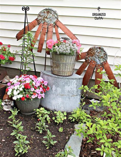 garden junk ideas  pinterest rustic gardening