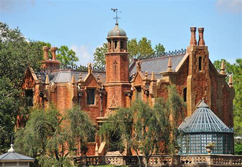 Disneyland Vs Walt Disney World  Four Parks, One World