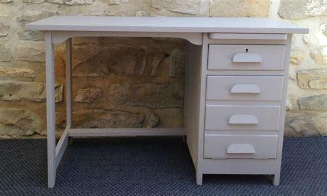 commode bureau escamotable ancien bureau comptable repeint gris avec tiroirs et