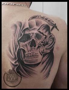 Tatouage Loup Graphique : tatouage loup graphique cochese tattoo ~ Mglfilm.com Idées de Décoration