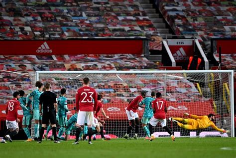 Bruno Fernandes fires Manchester United past Liverpool in ...