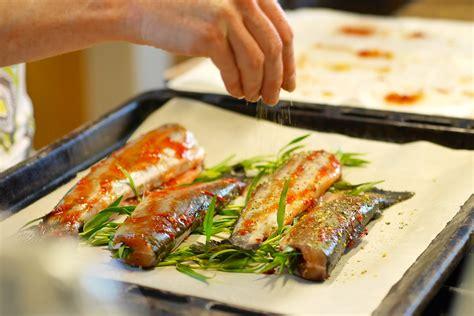 comment cuisiner la truite au four truites 224 l estragon grill 233 es au four