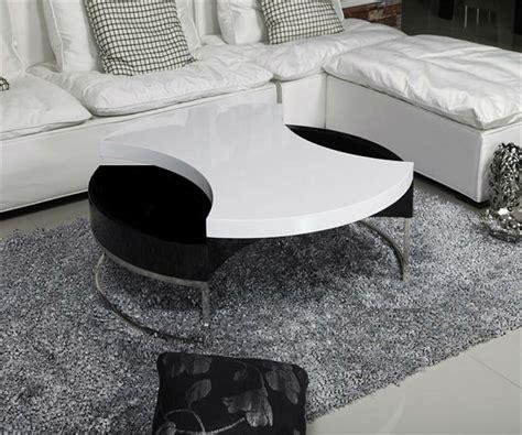 table basse noir et blanc ou laquee et blanche
