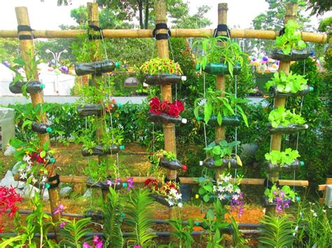 plastic fence creative decorations with recycled items to turn your