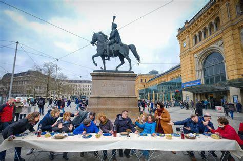 Da Vinci Auf Der Straße  Theatergruppe Spielt Berühmtes