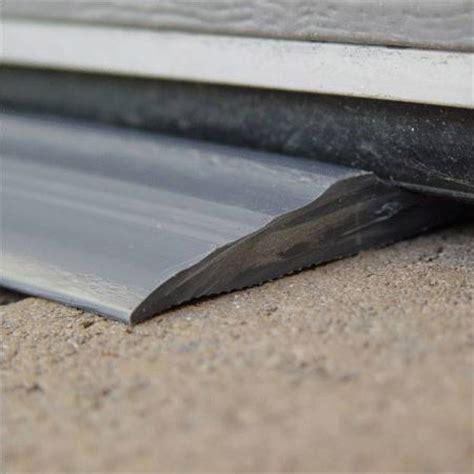 seuil de porte de garage sectionnelle joint seuil d etancheite pour porte de garage taille