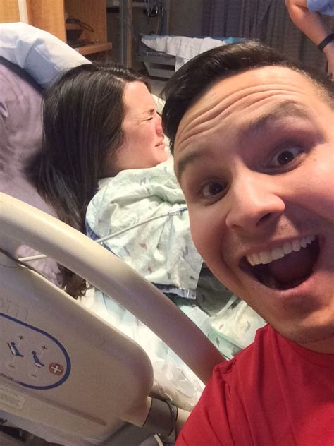 Brave Man Takes Selfie His Wife Gives Birth Posts