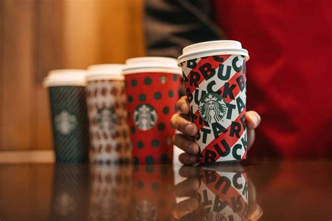 starbuckss holiday cups    adorably festive