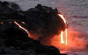 Photos & Video: Kilauea Volcano Lava Flow in Hawaii Nears ...