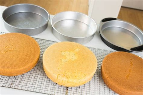cake pans round pan inch steel bakeware aluminized 9x2 testing pick left usa cuisinart parrish grip magic line easy