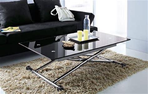 salon avec 2 canap駸 décoration salon avec canapé noir
