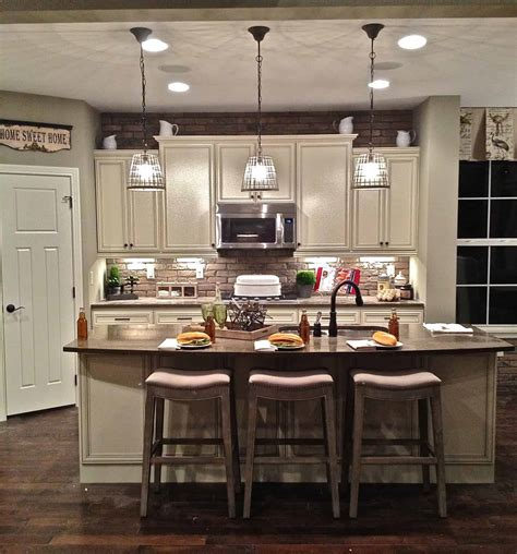 small kitchen decor options