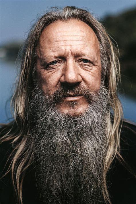 portrait    fishermen  long hair  white