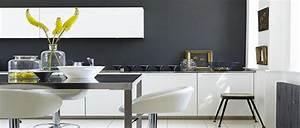 20 idees deco pour une cuisine grise deco coolcom for Idee deco cuisine avec deco sur mur gris