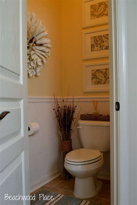 Decor Ideas For Small Bathrooms by Small Guest Bathroom Decor Ideas Search