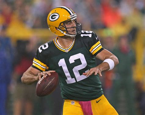 jordy nelson defends aaron rodgers   criticism