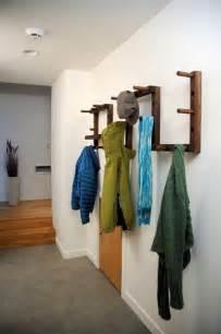 comment faire un porte manteau porte manteau mural original en 30 id 233 es de bricolage peintures murales et baguettes
