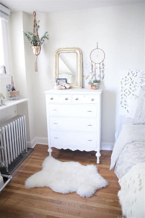 designing  bohemian bedroom  interiorcrowd
