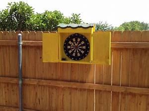 Outdoor dartboard box - by Bye Bye @ LumberJocks com