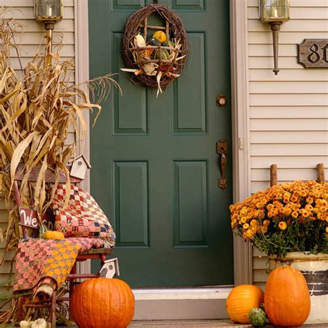 Decorating Ideas For Fall Outside by Northern Nesting Outdoor Fall Decorating Ideas Courtesy