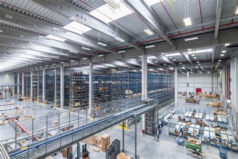 liebherr opens  logistics centre  oberopfingen