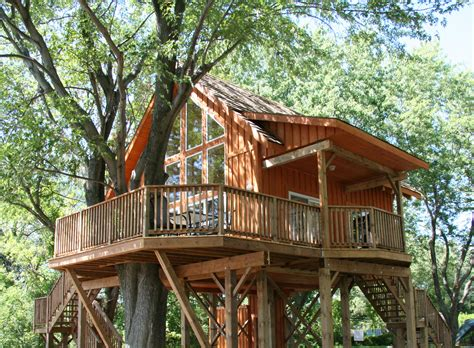 Robin's Roost Treehouse  St Lawrence Parks Commission