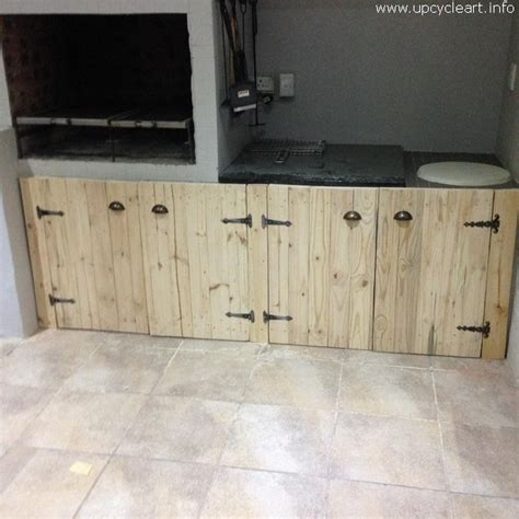 Kitchen Cabinet Doors From Pallets by Recreate Ideas For Wood Pallets Upcycle