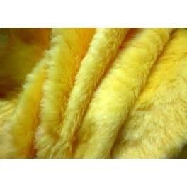Fausse Fourrure Tissu : tissu fausse fourrure synth tique poils courts jaune a0018 ~ Teatrodelosmanantiales.com Idées de Décoration