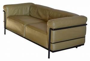 canape modele quotlc3quot le corbusier perriand et jeanneret With tapis de marche avec canape cuir le corbusier