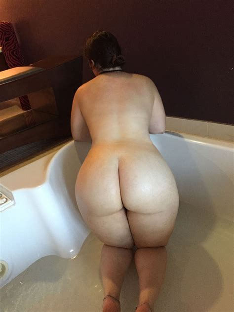 Milfs Booty Of The Day